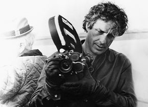 "John Cassavetes on the set of  ""A Woman Under the Influence"" (1974, John Cassavetes)"